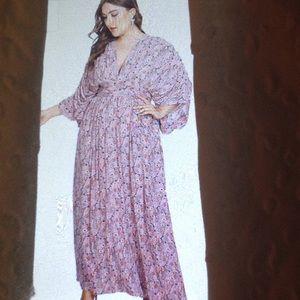 Dresses & Skirts - KIMONO SLEEVE EMPIRE WAIST TIE BACK DRESS. NEW